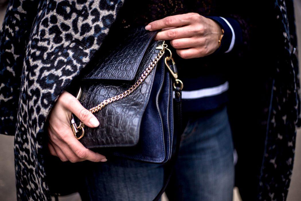 Eva-Jasmin-Blogger-Berlin-Fashion-Week-outfit-leo-lace-velvet-samt-1