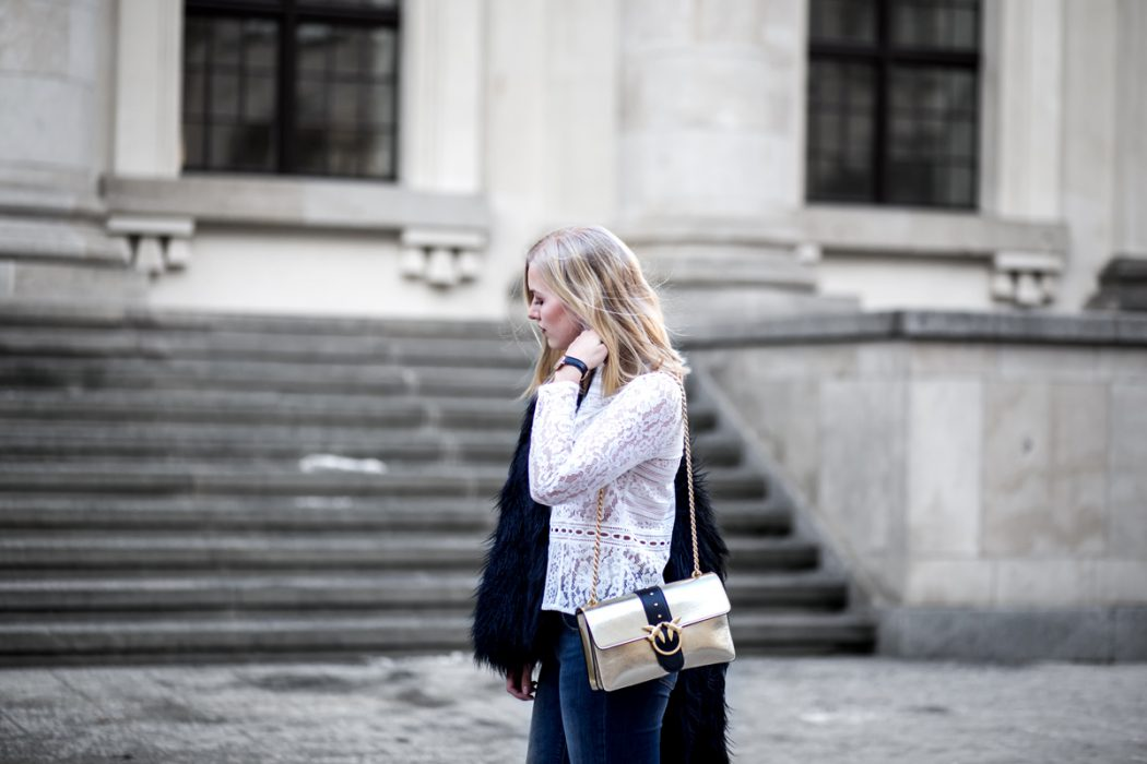 Eva-Jasmin-Blogger-Berlin-Fashion-Week-outfit-pinko-fauxfur-3