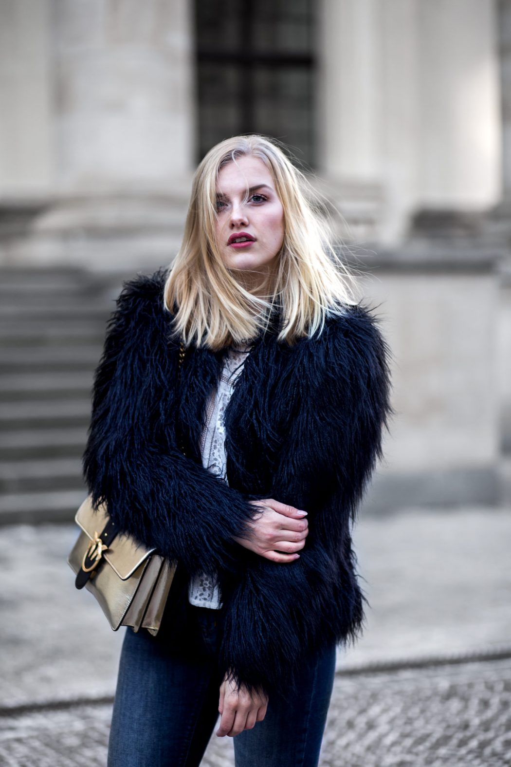 Eva-Jasmin-Blogger-Berlin-Fashion-Week-outfit-pinko-fauxfur-4