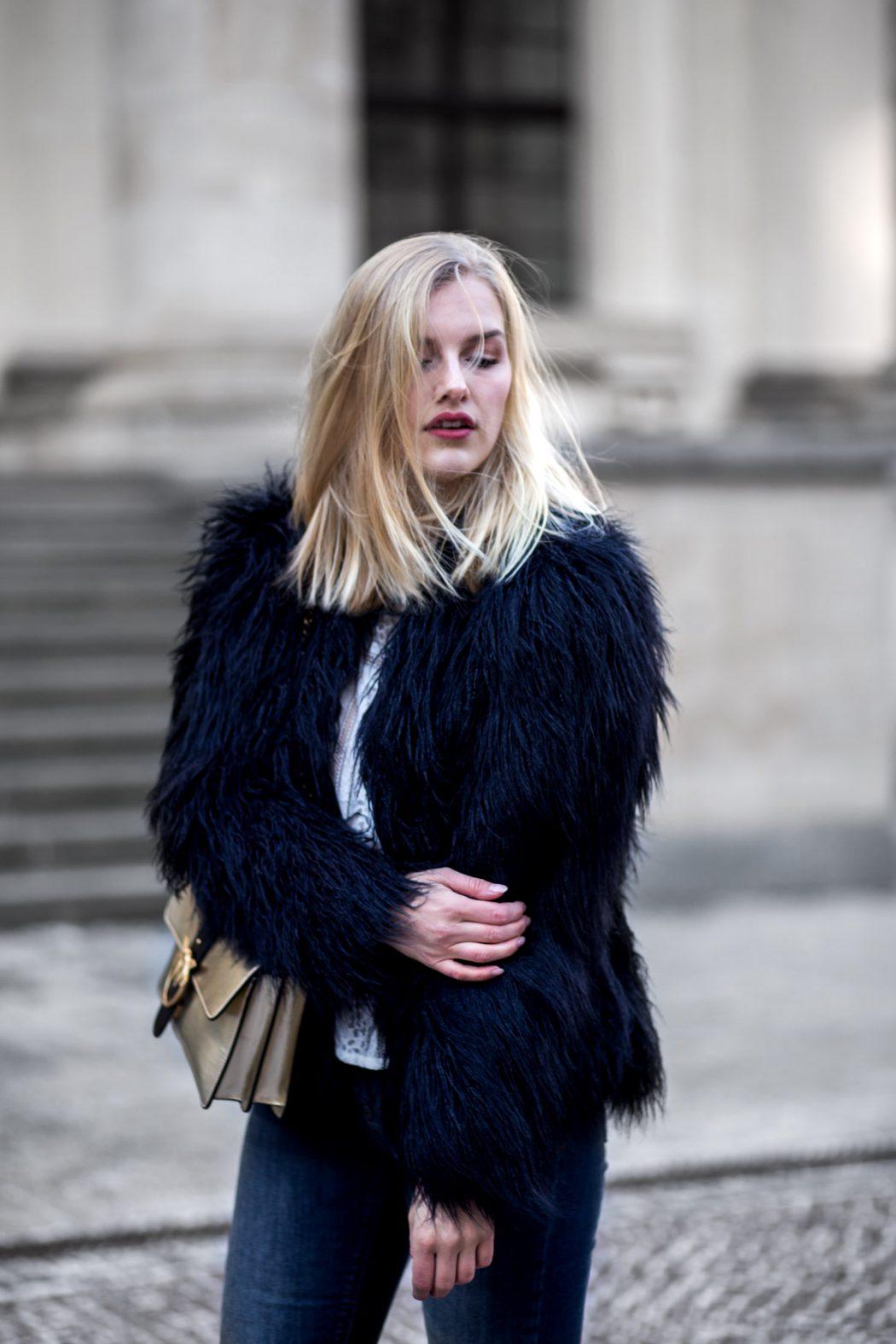 Eva-Jasmin-Blogger-Berlin-Fashion-Week-outfit-pinko-fauxfur-6