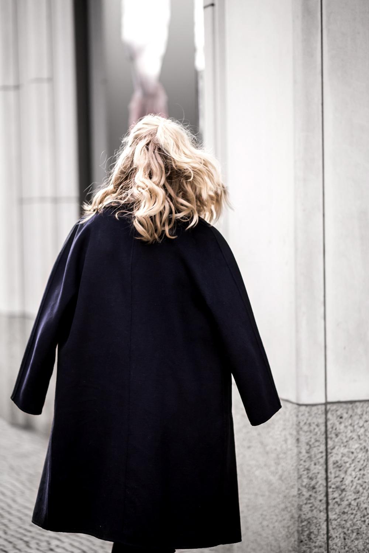 Eva-Jasmin-Fashion-Week-YSL-coat-ootd-08