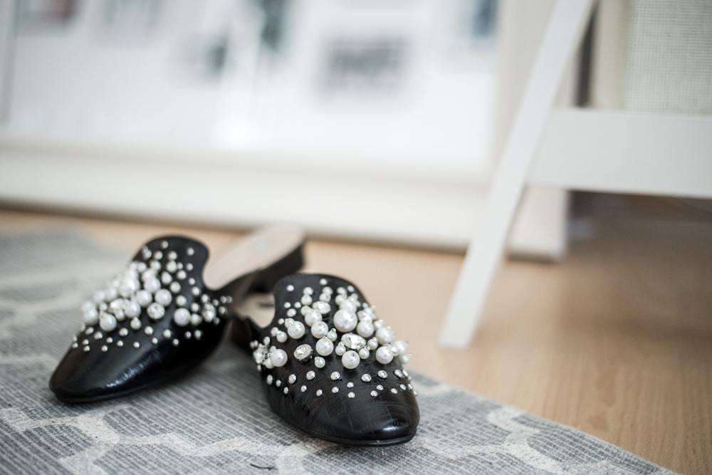 slipper pearls mules trend trends check lace velvet sneaker