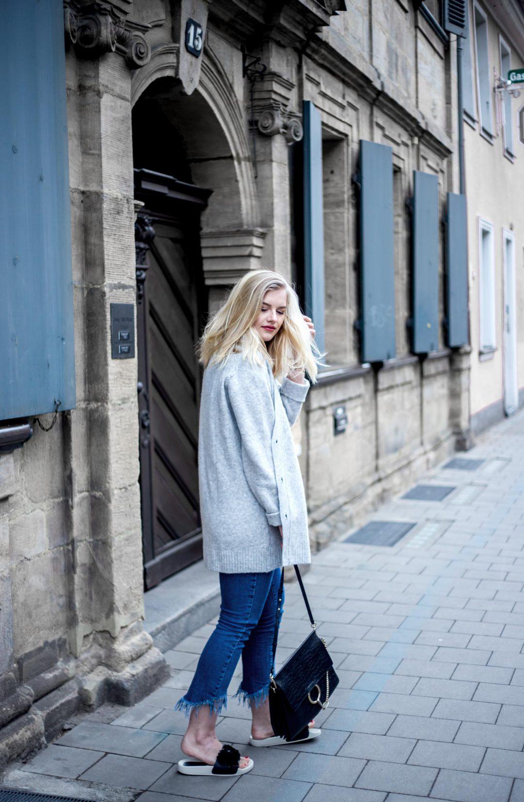 Adilette Athleisure Trend how to style Eva Jasmin Blogger street style