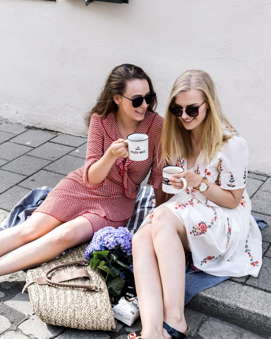 fashion blogger girls blondie brownie thing coffee