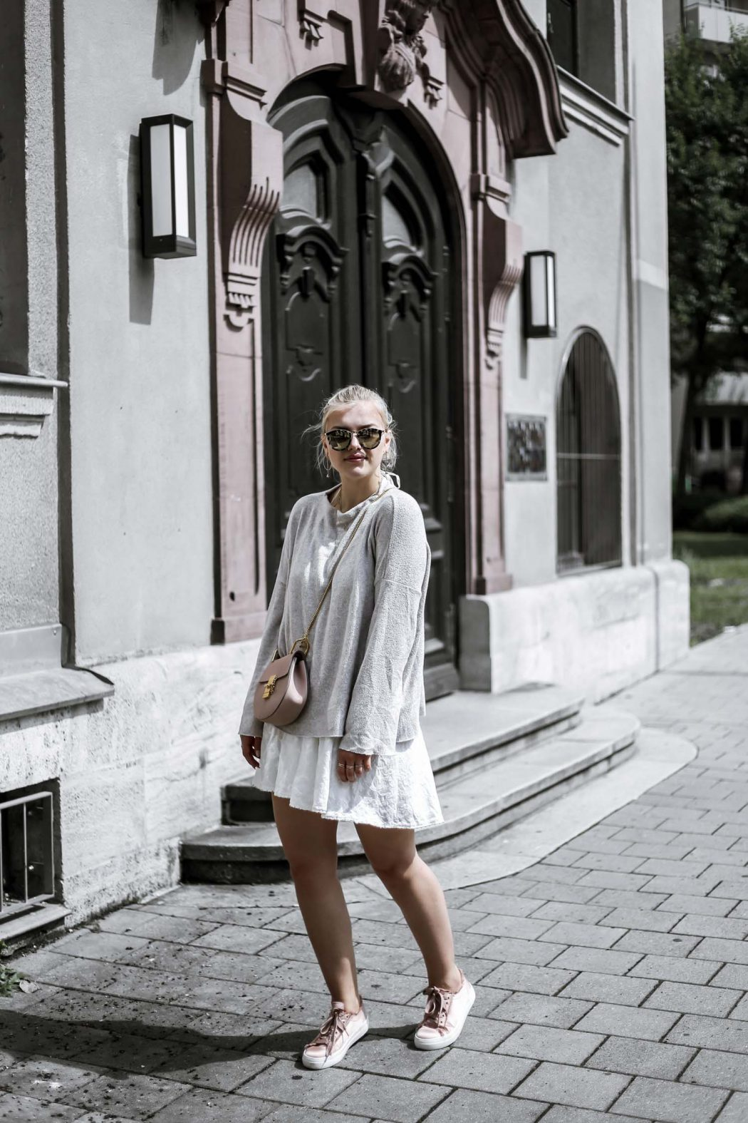 Chloe drew ootd street style blogger dress summer sweater pink