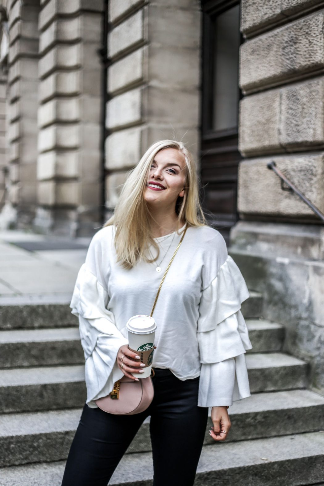 ootd september style blogger Erlangen outfit Chloe volant