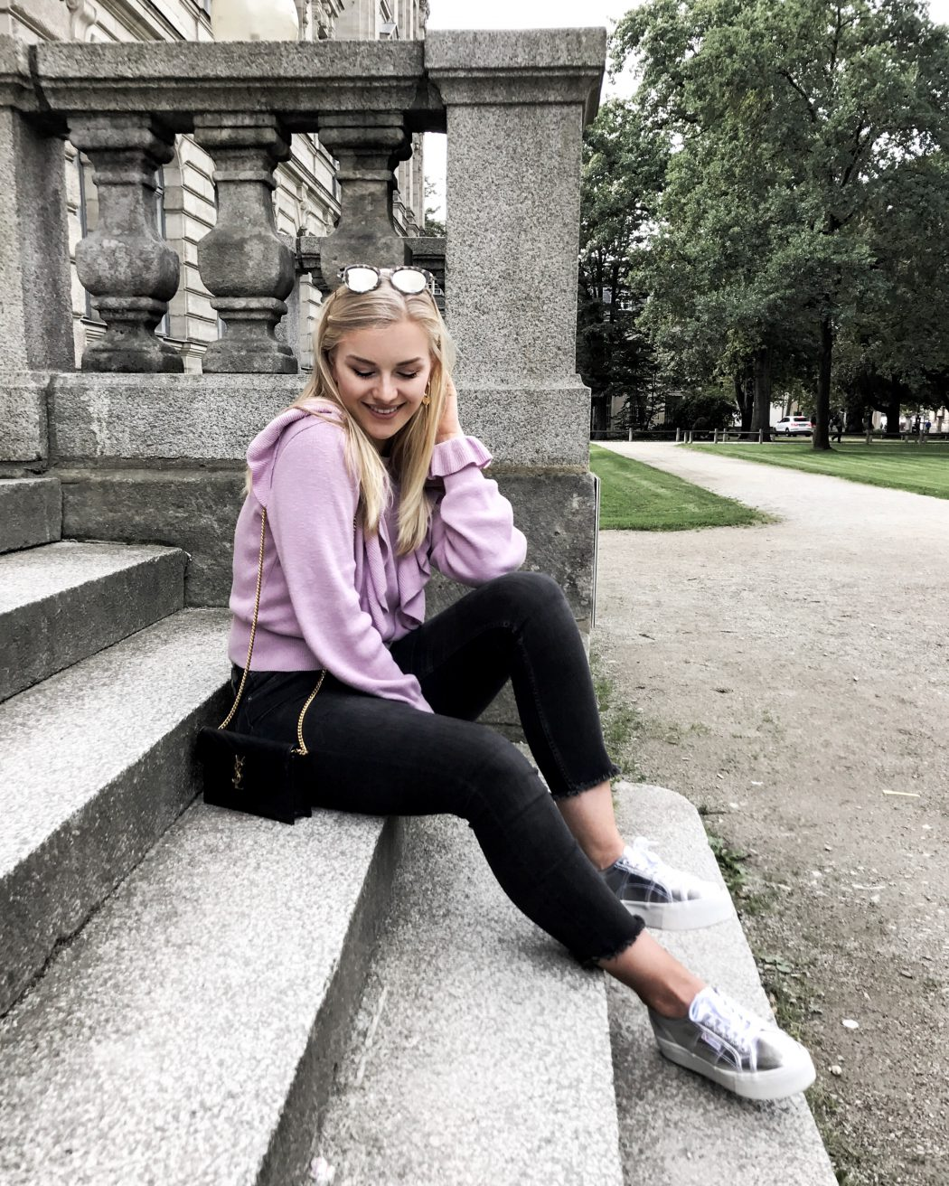 Blogger ootd streetstyle blonde fashion mode Erlangen schlossgarten