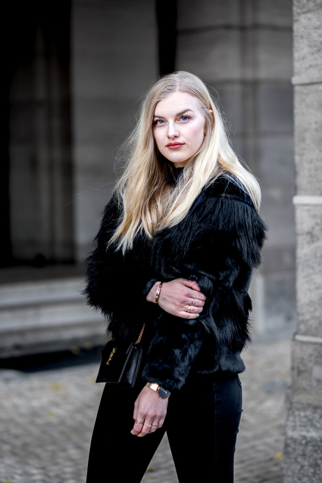 ootd street style nuremberg fashion blogger faux fur gucci saint laurent eva Jasmin