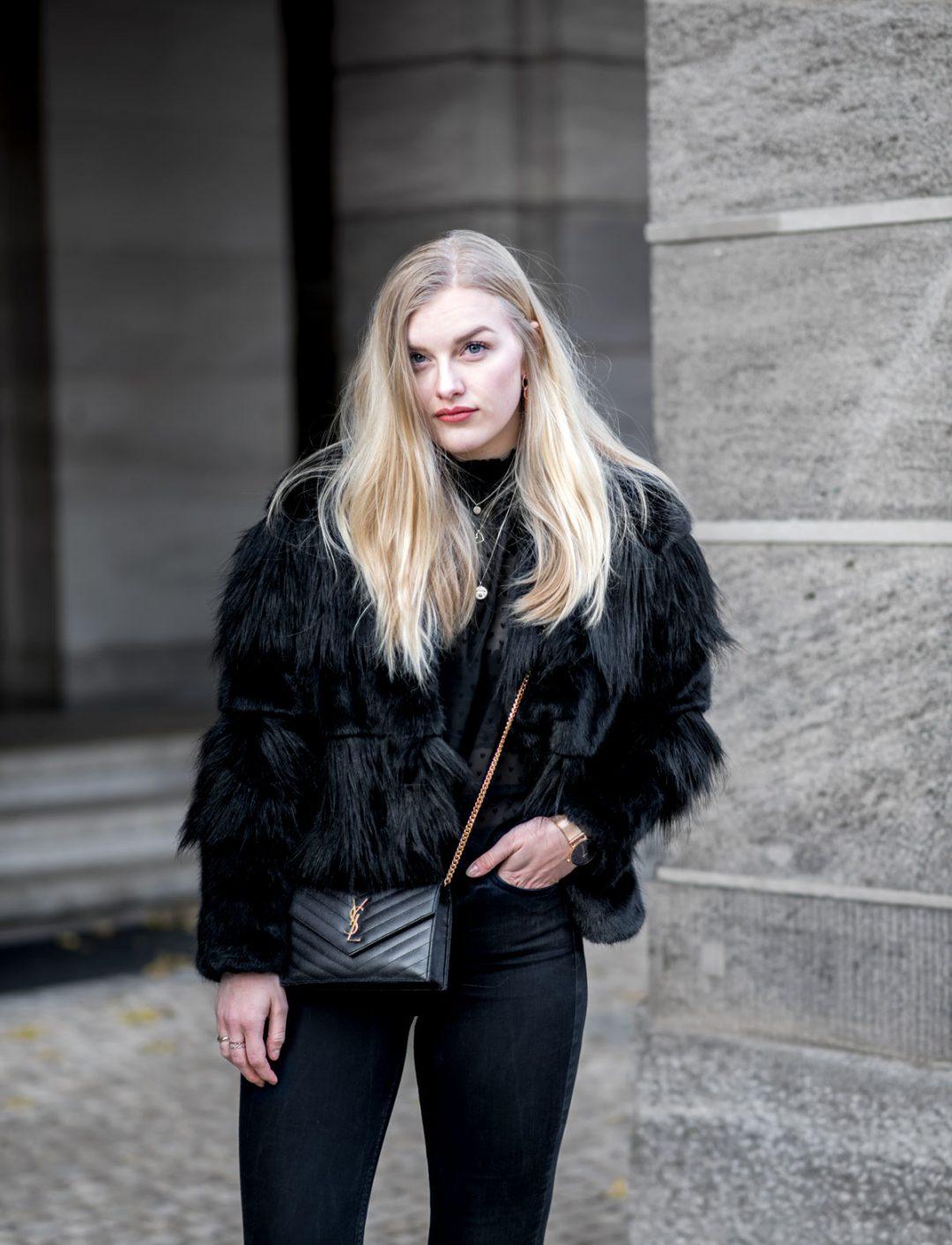 Eva-Jasmin-Designer-Bags-Luxus-Money-Geld-Studium-Privatuni-Studiengebühren