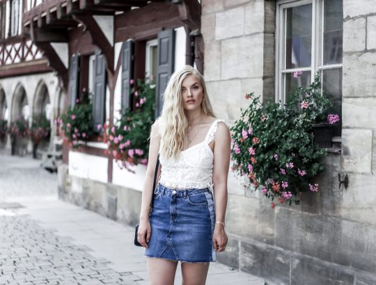 Eva Jasmin Denim Skirt Lace Bustier Streetstyle Gucci Marmont